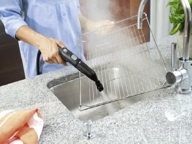Чистить решетку из холодильника