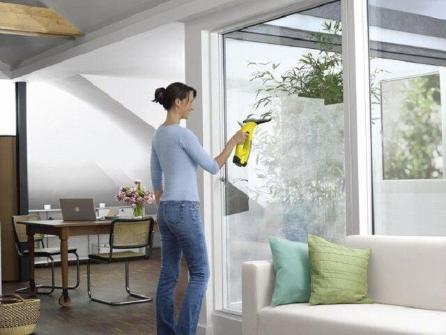 Чистить окна