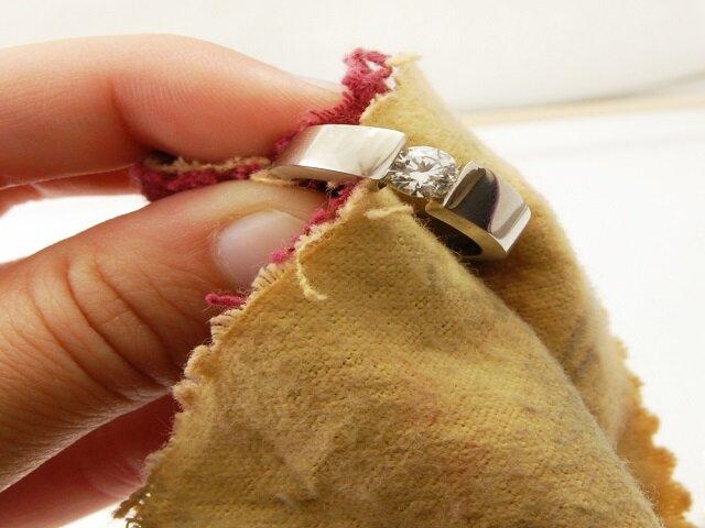 Средства для чистки изделий из цветных и драгоценных металлов