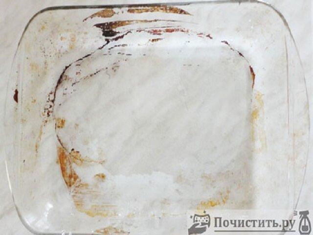 Как чистить эмалированный и стеклянный противень?