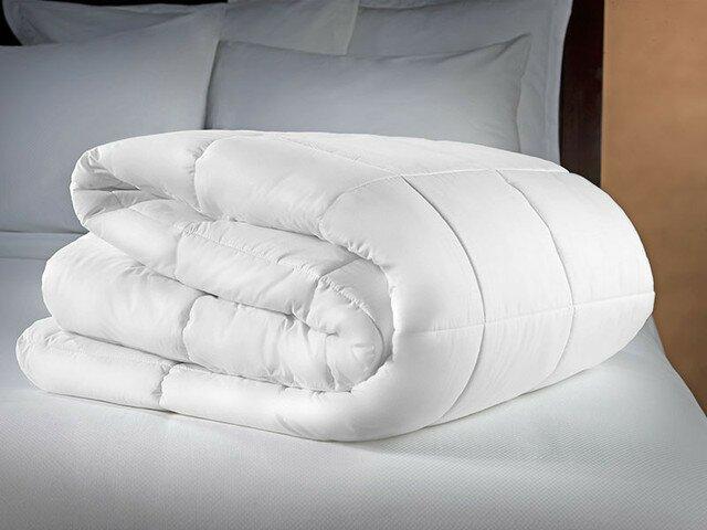 Как постирать одеяло из синтепона или холлофайбера