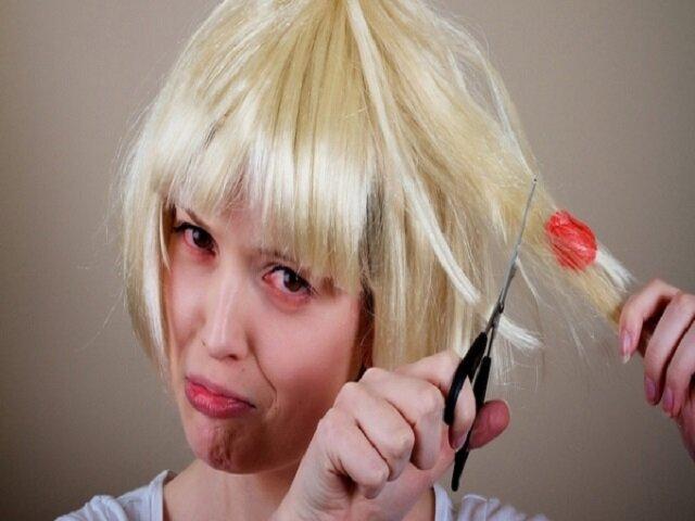 Как отлепить жвачку от волос при помощи зубной пасты