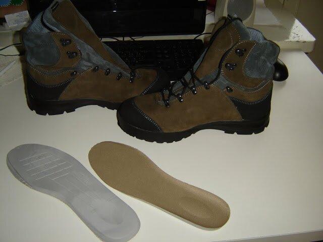 Хорошо просушите обувь перед чисткой