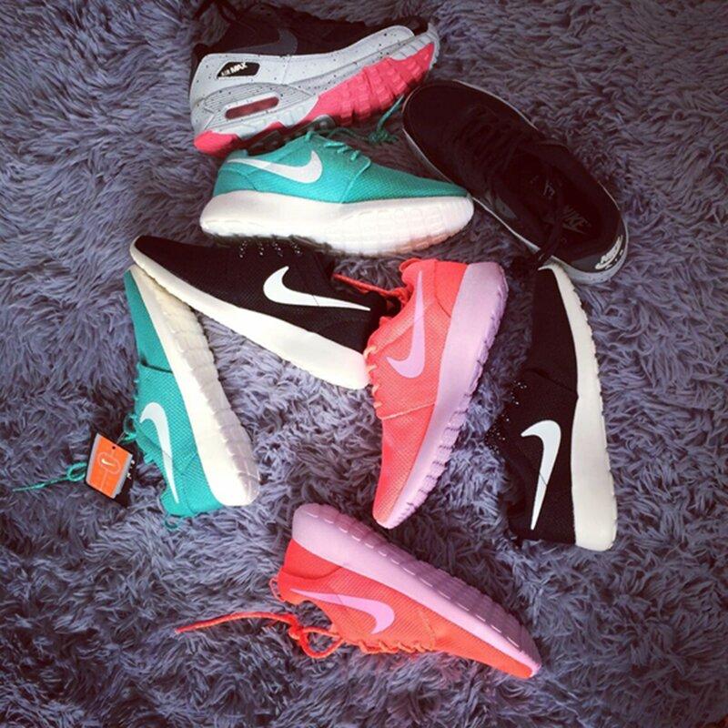 несколько пар обуви