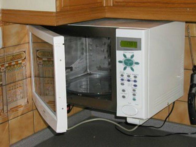 Специальные средства для очистки стенок микроволновки