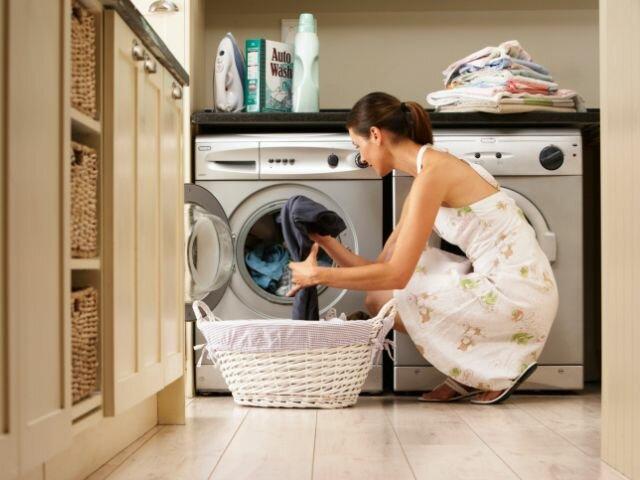 Как удалить герметик с одежды