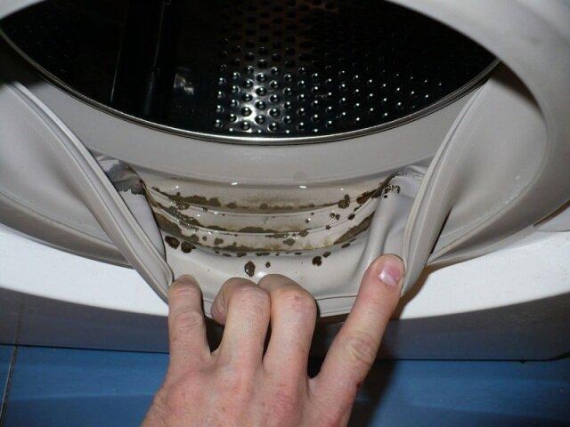 Почему важно чистить свою стиралку