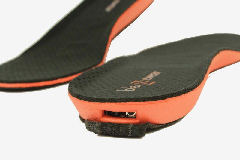 Что делать со стельками и шнурками