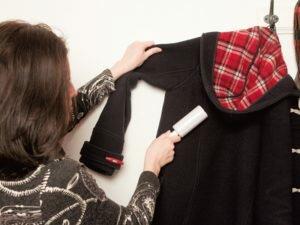 Как избавиться от шерсти на одежде