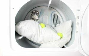 Можно ли стирать подушку пух-перо в стиральной машине