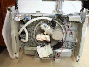 Особенности подключения машины для мойки посуды
