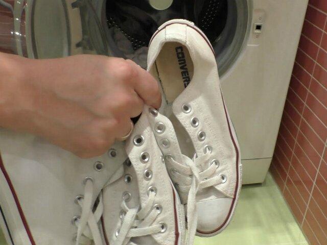 Кроссовки, после занятий спортом гораздо легче закинуть в машинку и выбрать соответствующий режим