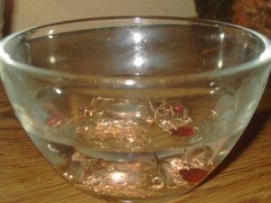 Как почистить золотую цепочку в домашних условиях