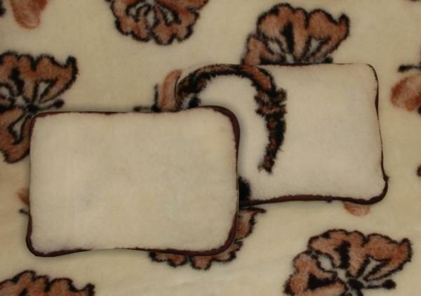 Чистка шерстяных подушек